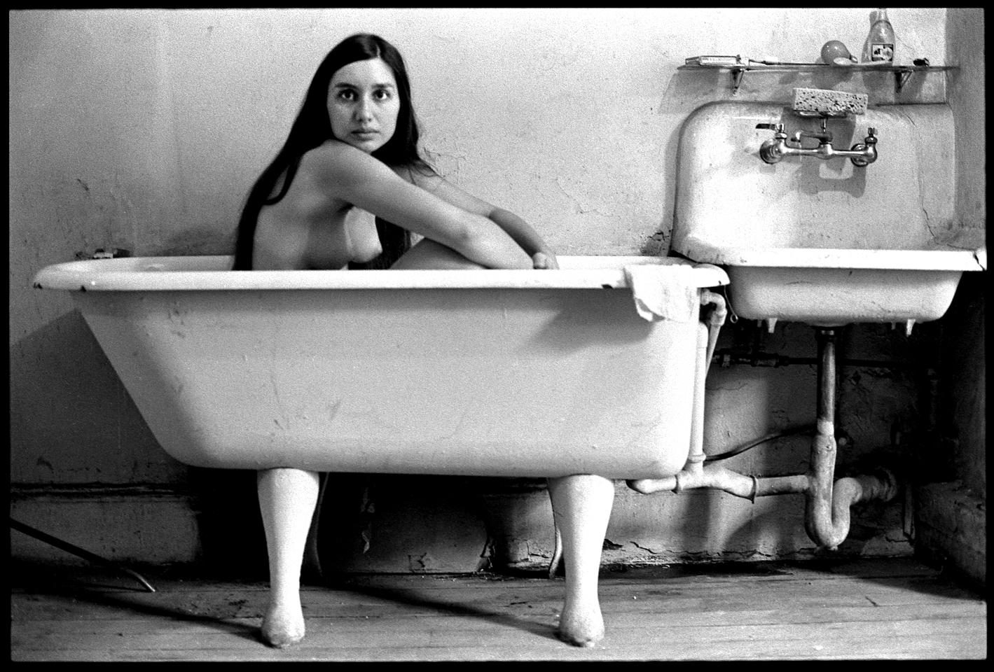 Diana Ave. B tub